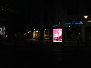 hgk-wall-bei-nacht-2